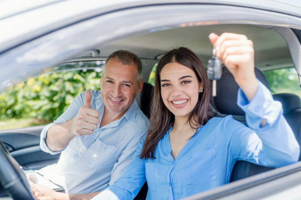 How to Pursue Your Career as a Driving Instructor? - YlooDrive
